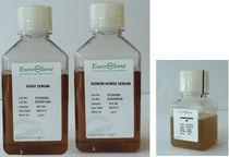 Réactifs pour la culture cellulaire / sérums de poulet / d'origine bovine / liquides