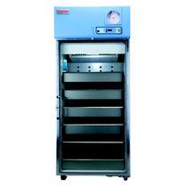 Réfrigérateur de pharmacie / de type armoire / 1 porte
