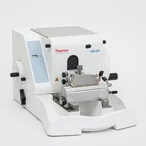 Microtome rotatif / manuel