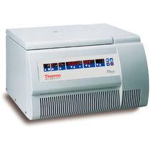 Centrifugeuse de laboratoire / de paillasse / compacte / réfrigérée