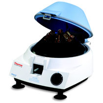 Centrifugeuse de laboratoire / compacte