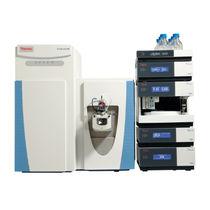 Spectromètre Orbitrap / quadripolaire / de protéomique / pour biologie moléculaire et cellulaire