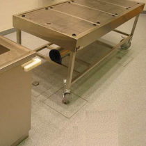 Table d'autopsie / mobile / d'ancrage / avec évier
