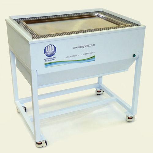 table de travail / de laboratoire / rectangulaire / en acier inoxydable