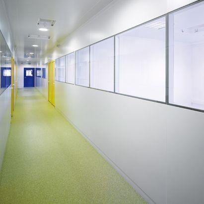 salle blanche / modulaire / pour établissement de santé / pour la recherche animale
