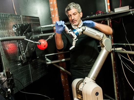 Les amputés peuvent apprendre à commander un bras robotique avec leurs esprits