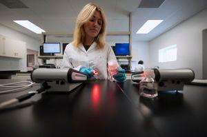 spectrophotomètre visible / pour tests d'endotoxines / de paillasse / portatif