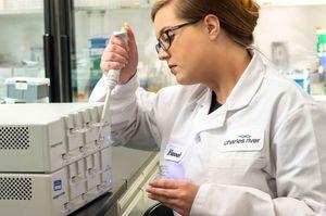 spectrophotomètre visible / pour tests d'endotoxines / de paillasse / multicartouche