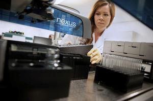 système d'automatisation de laboratoire pour tests d'endotoxines