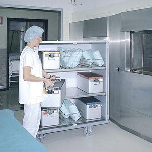 armoire de stérilisation / d'hôpital / avec étagère / avec porte battante