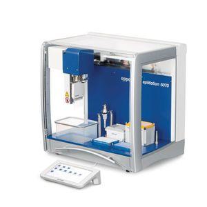 robot pipeteur de laboratoire