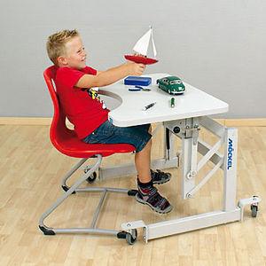 table d'ergothérapie à hauteur variable