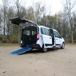 véhicule pour handicapés monospace