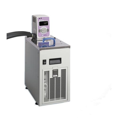 refroidisseur de laboratoire de paillasse / chauffant / à immersion