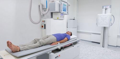 système de radiographie / numérique / pour radiographie polyvalente / avec table