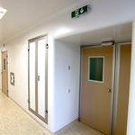porte hermétique / coulissante / de soins intensifs / de salle d'opération