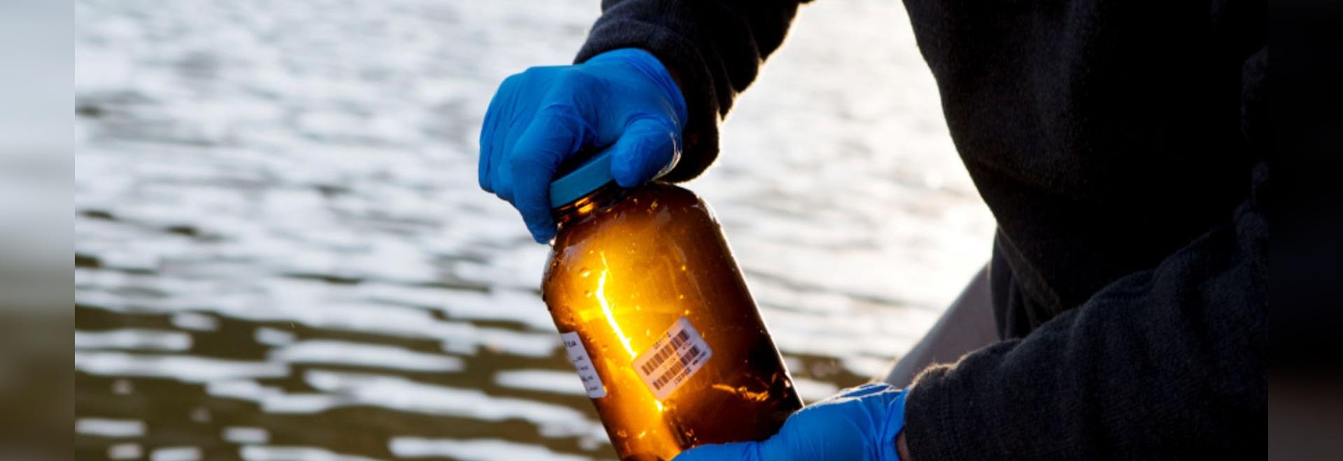 Les bouteilles simplifient le cheminement, transport des échantillons
