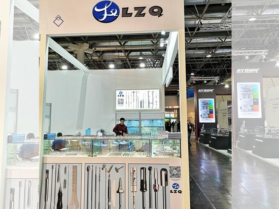 Jour 3 ! Bienvenue sur le stand n° 12 D64 de LZQ à Düsseldorf, Allemagne. Du 18/11/2019 au 21/11/2019, toujours à votre service !