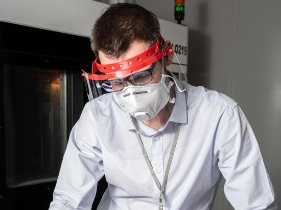Les écrans faciaux permettent également de prolonger la durée de vie des masques.